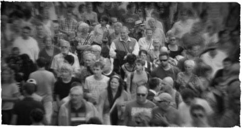 drukte-menigte-mensen-straat-prepper-survival-purk